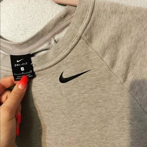 Nike pullover crew with slits